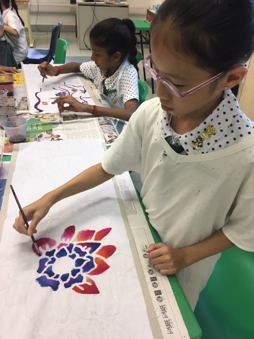 Applying the blending technique on their artworks during the Batik Workshop - 1.jpg